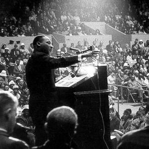 Martin Luther King Jr. pitää kuuluisan I have a dream -puheensa Washingtonissa 1963,