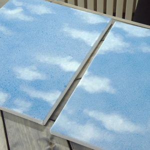 Målardukar med blå grundfärg.