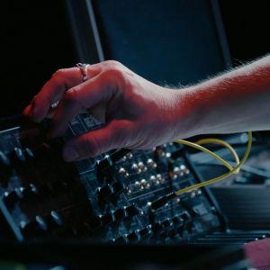 Kokeellinen musiikki on musiikin pornografia