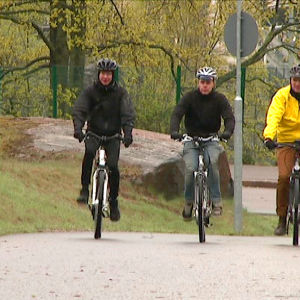 Kolme kovaa testaajaa: Miikka Vartiainen, Mitja Nylund ja Jarkko Väänänen