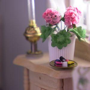 Blomkruka och karameller i miniatyr