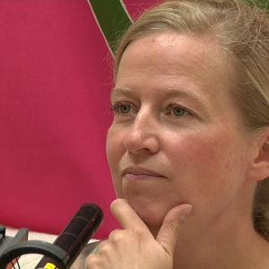 Säveltäjä ja äänisuunnittelija Sanna Salmenkallio Musiikin voiman haastattelussa.