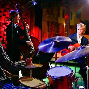 Jazztrio Milo & Moses soittaa G Livelabissa Helsingissä