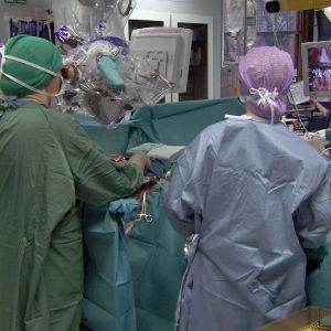 Chiari-potilaan leikkaus HYKS.ssä joulukuussa 2016.