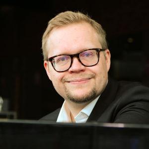 Pianisti ja pianopedagogi, musiikin tohtori Niklas Pokki.