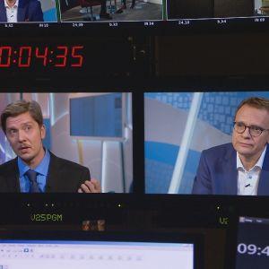 Eero Ritala ja Heikki Ali-Hokka tarkkaamon monitoreissa.