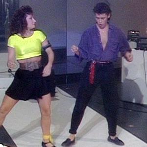Sirpa Suutari-Jääsko ja Jukka Haapalainen tanssivat lambadaa.