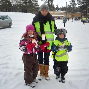 Tiia Simonens barn Sara och Nikolas undervisas hemma