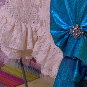 Lees festklänningar i 20-tals stil.