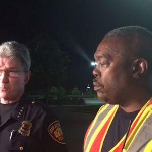 San Antonios polischef William McManus och brandchefen Charles Hood berättade för journalister om människosmugglingsfallet  i San Antonio.