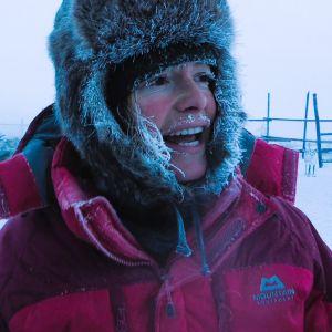 Kolmiosaisessa sarjassa toimittaja Kate Humble jatkaa paimentolaisten elämäntapaan tutustumista.