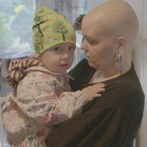 Reeta sairastui keväällä rintasyöpään.