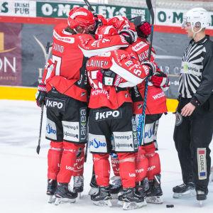 Vasa Sport-spelare firar, hösten 2017.