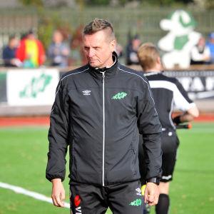Ilkka Marttila tränar EIF i fotbollsettan.