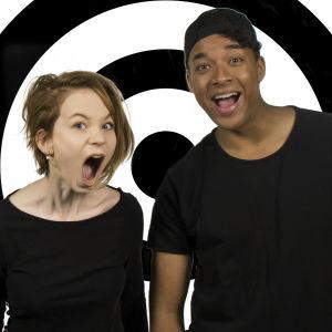 Onks noloo -sarjan uudet juontajat Meri ja Ani.