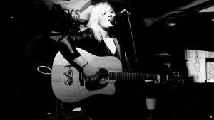 Ida Engman, finlandssvensk singer-songwriter