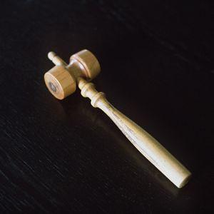 En trälubba som används vid möten.