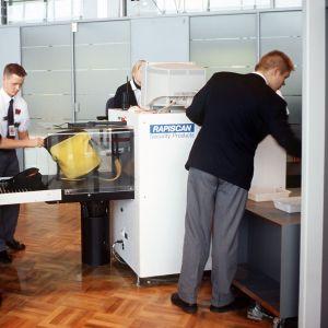 Säkerhetskontroll på Helsingfors-Vanda flygplats