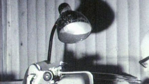 August Wilhelm Pyölniittu työnsä äärellä vuonna 1968.