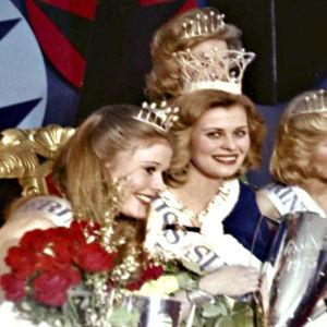 Anne Pohtamo kruunattiin Miss Suomeksi.