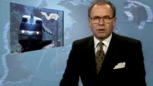 Kari Toivonen juontaa uutisjuttua Pendolino-junien tilauspäätöksestä helmikuussa 1992.