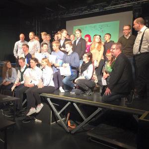 En grupp med elever från Katedralskolan i Åbo