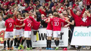 HIFK:s supportrar gjorde väsen av sig under lagets första år i ligan.