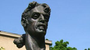 Frank Zappa-bysten i Vilnius