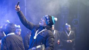 Mikko Rantanen tar selfie efter JVM-guldet 2016.