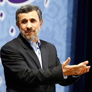 Den förre presidenten Mahmoud Ahmadinejad var en av de kandidater som inte tilläts ställa upp i valet