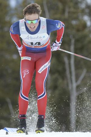 Emil Iversen stakar i spåret.