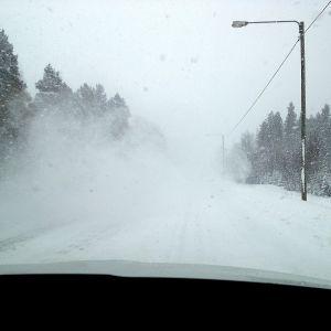 Snöyra på riksväg 8