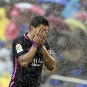 Luis Suarez och FC Barcelona föll mot Deportivo.