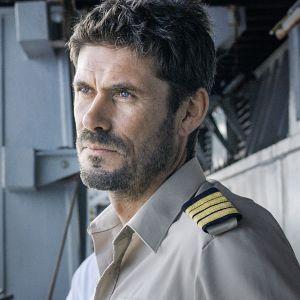 Tommi Korpela näyttelee saksalaiselokuvan pääosassa suuren rahtilaivan kapteenia, joka tekee hätiköidyn päätöksen.