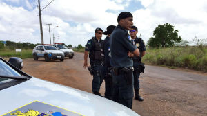 Polis övervakar brasilianskt fängelse efter upplopp bland fångarna