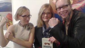 Marjut Tervola ja Anna Mäkelä sekä Mikko-Pekka Heikkinen