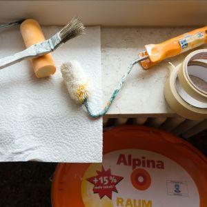 Målningspensel och maskeringstejp