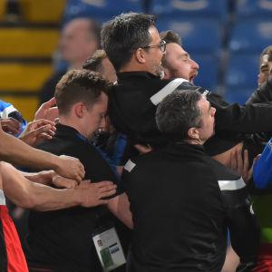 Huddersfield firar.