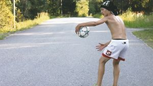 Freestyle fotbollsspelaren Alexander Wessberg