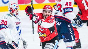 Sam Povoroziouk firar mot HIFK.