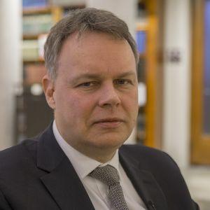 Juho Saari, professor i social- och hälsopolitik vid Tammerfors universitet.