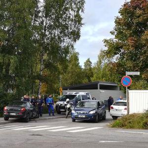 Polisoperation och biljakt på Brändövägen i Vasa den 9 september 2017.