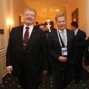 Ukranias president Petro Porosjenko och Finlands president Sauli Niinistö