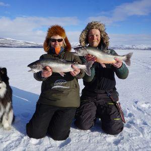 Aki, Äijä, Emilia ja päivän suurimmat kalasaaliit.