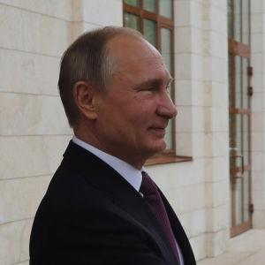 Rysslands president Vladimir Putin och Syriens president Bashar al-Assad under deras möte i Sochi på måndagen.