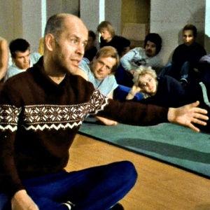 Jouko Turkka opettaa Teatterikoulussa 1984 dokumentissa Pääosassa Jouko Turkka.