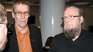 Svante Lundgren och Håkan Sandvik i samtal om församlingarnas flyktingarbete