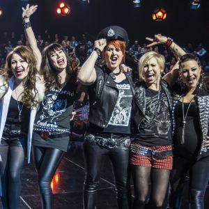 Uuden Musiikin Kilpailu 2016 Karsinta 3 finaaliin menijät Barbe-Q-Barbies, Tuuli Okkonen ja Sandhja.