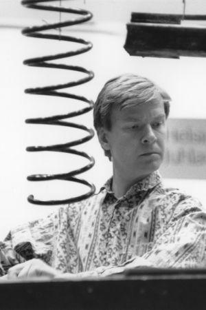 Säveltäjä Magnus Lindberg orkesteriteoksensa Kraft harjoituksissa 1991.
