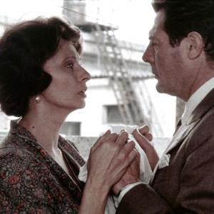 Sophia Loren ja Marcello Mastroianni elokuvassa Kohtaaminen Roomassa